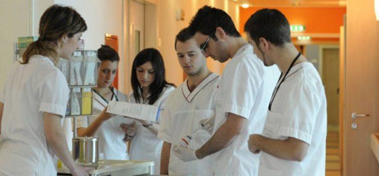 La Regione si impegni a censire il fabbisogno di assistenti sanitari e promuova l'intesa con le Università per istituire un corso di laurea in assistenza sanitaria