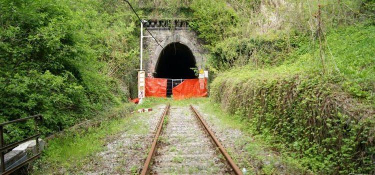 Asti-Alba svelato il bluff di Chiamparino e Balocco, i treni storici non servono ai pendolari