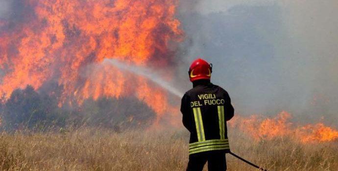 Emergenza incendi, cosa fa la Regione? Chiamparino pensa solo al Tav mentre il territorio brucia